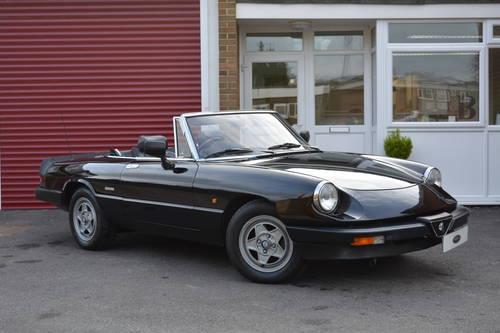 Alfa Romeo Spider Veloce 2.0 1990 For Sale (picture 3 of 6)