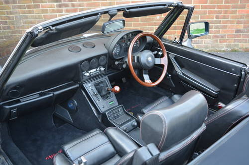 Alfa Romeo Spider Veloce 2.0 1990 For Sale (picture 4 of 6)
