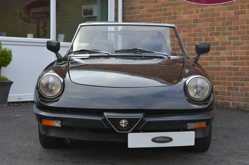 Alfa Romeo Spider Veloce 2.0 1990 For Sale (picture 5 of 6)