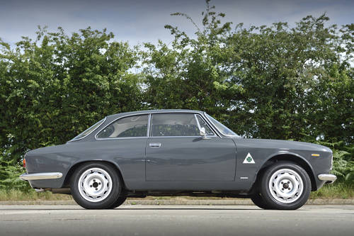 1966 Alfa Romeo Giulia 1600 Sprint GT Under Offer! SOLD (picture 1 of 6)