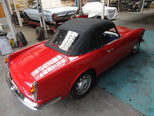 1961 Alfa Romeo 2000 Touring Spider For Sale (picture 2 of 6)