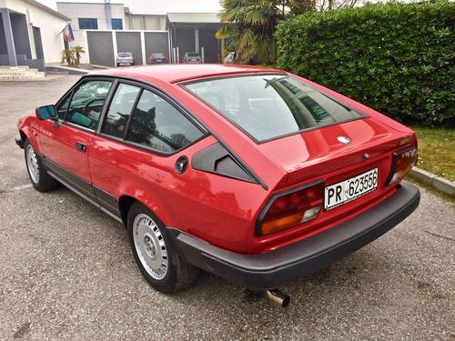 1985 Alfa Romeo - GTV 2.5 V6 EXCELLENT CONDITION SOLD (picture 3 of 6)