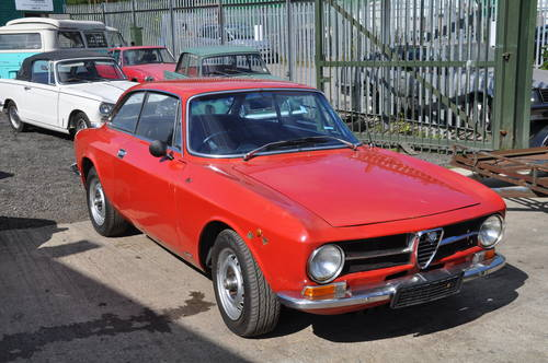ALFA ROMEO GT JUNIOR 1600 RHD MOT GREAT USABLE CLASSIC CAR SOLD (picture 1 of 6)