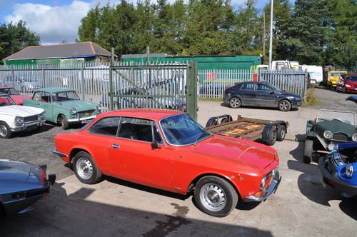 ALFA ROMEO GT JUNIOR 1600 RHD MOT GREAT USABLE CLASSIC CAR SOLD (picture 2 of 6)