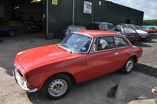 ALFA ROMEO GT JUNIOR 1600 RHD MOT GREAT USABLE CLASSIC CAR SOLD (picture 3 of 6)