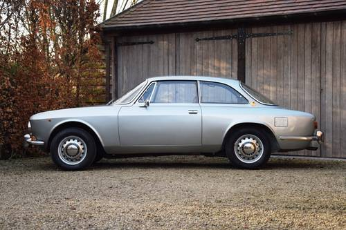 1970 Magnificent unrestored Alfa Romeo 1750 GT Veloce (LHD) For Sale (picture 2 of 6)