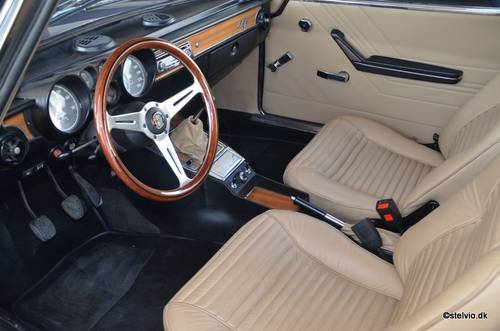 1972 Alfa Romeo 2000 GT Veloce For Sale (picture 4 of 6)