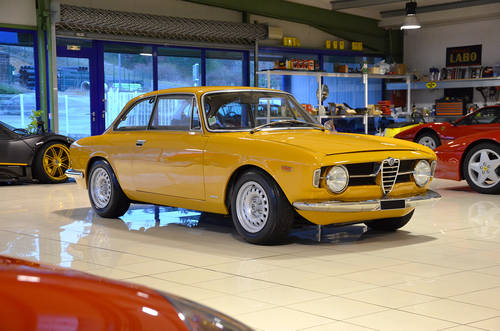 1969 Alfa 1300 GT Junior Stepnose Superb condition SOLD (picture 1 of 6)