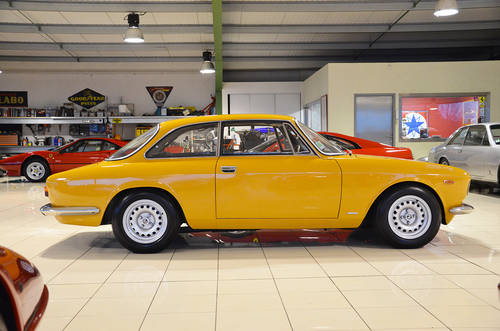 1969 Alfa 1300 GT Junior Stepnose Superb condition SOLD (picture 2 of 6)
