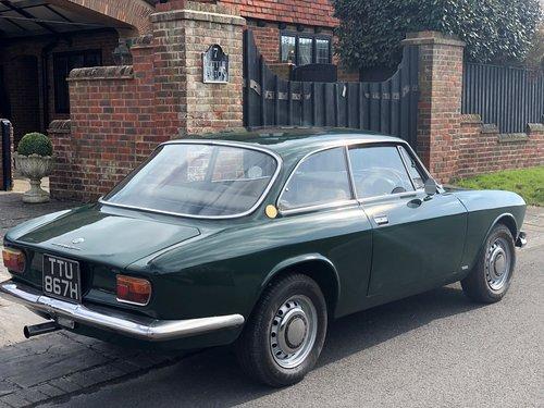 1970 Alfa Romeo 1750GTV Mk1 SOLD (picture 3 of 6)