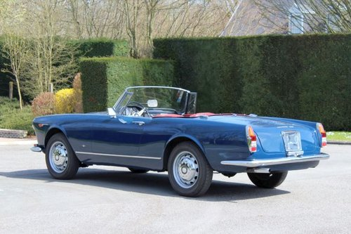 1963 Alfa Romeo 2600 Spider by Touring  For Sale (picture 3 of 6)