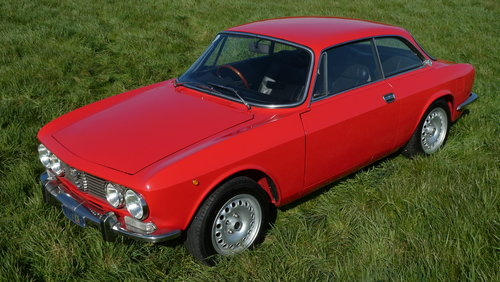 1973 Alfa Romeo GTV 2000 For Sale SOLD (picture 2 of 6)