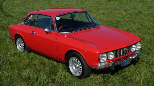 1973 Alfa Romeo GTV 2000 For Sale SOLD (picture 3 of 6)