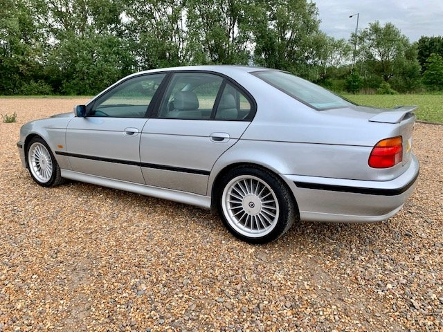 1998 BMW E39 B10 RECREATION MANUAL SALOON For Sale (picture 3 of 6)