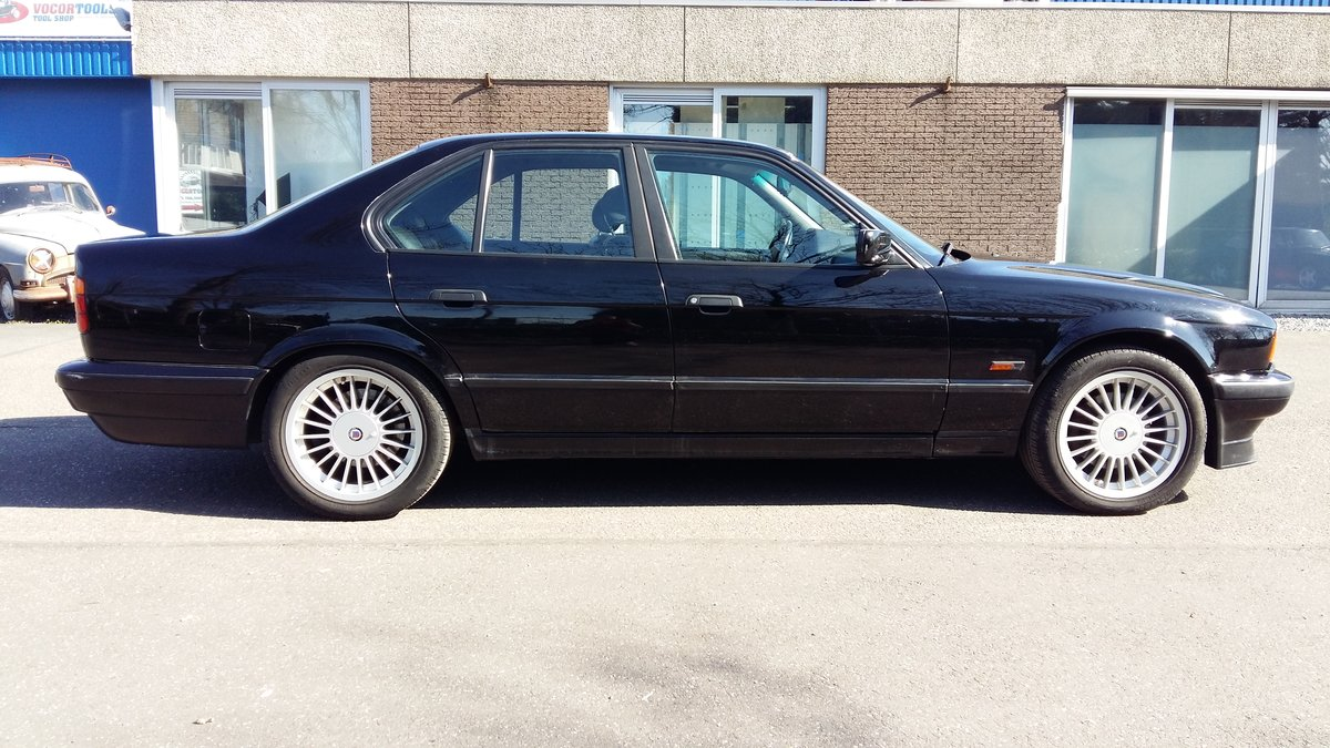 Alpina B10 3,0 four wheel drive 1994 black manual gear For Sale (picture 3 of 6)