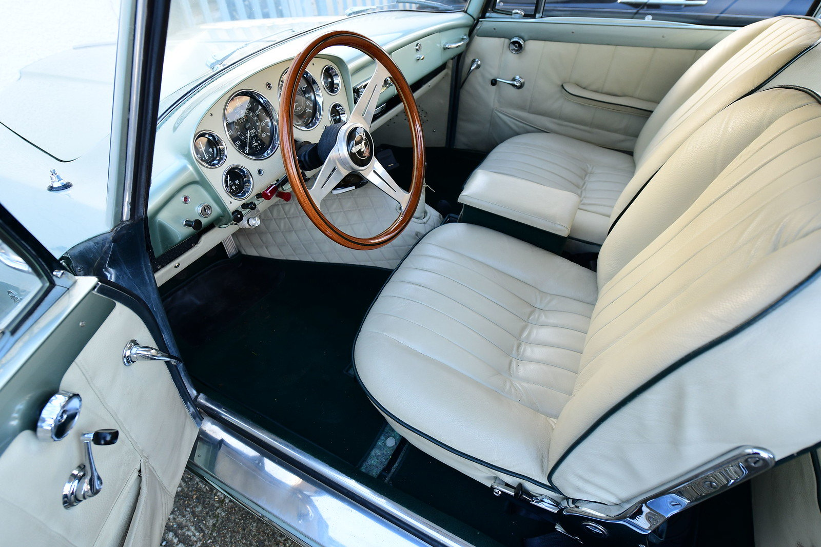 1958 Alvis TD21 Coachwork by Graber LHD For Sale (picture 4 of 6)