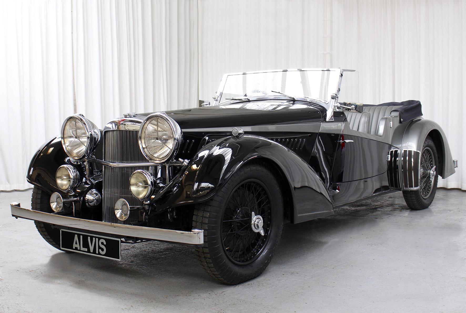 1937 4.3 Vanden Plas Style Tourer For Sale (picture 2 of 6)