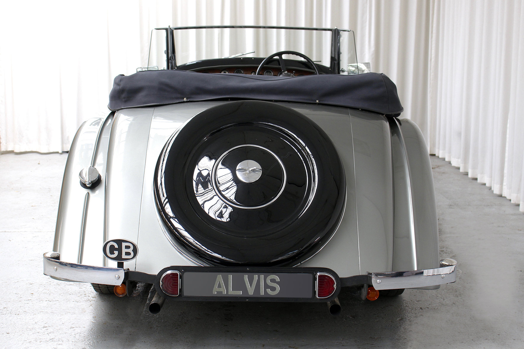 1937 4.3 Vanden Plas Style Tourer For Sale (picture 4 of 6)
