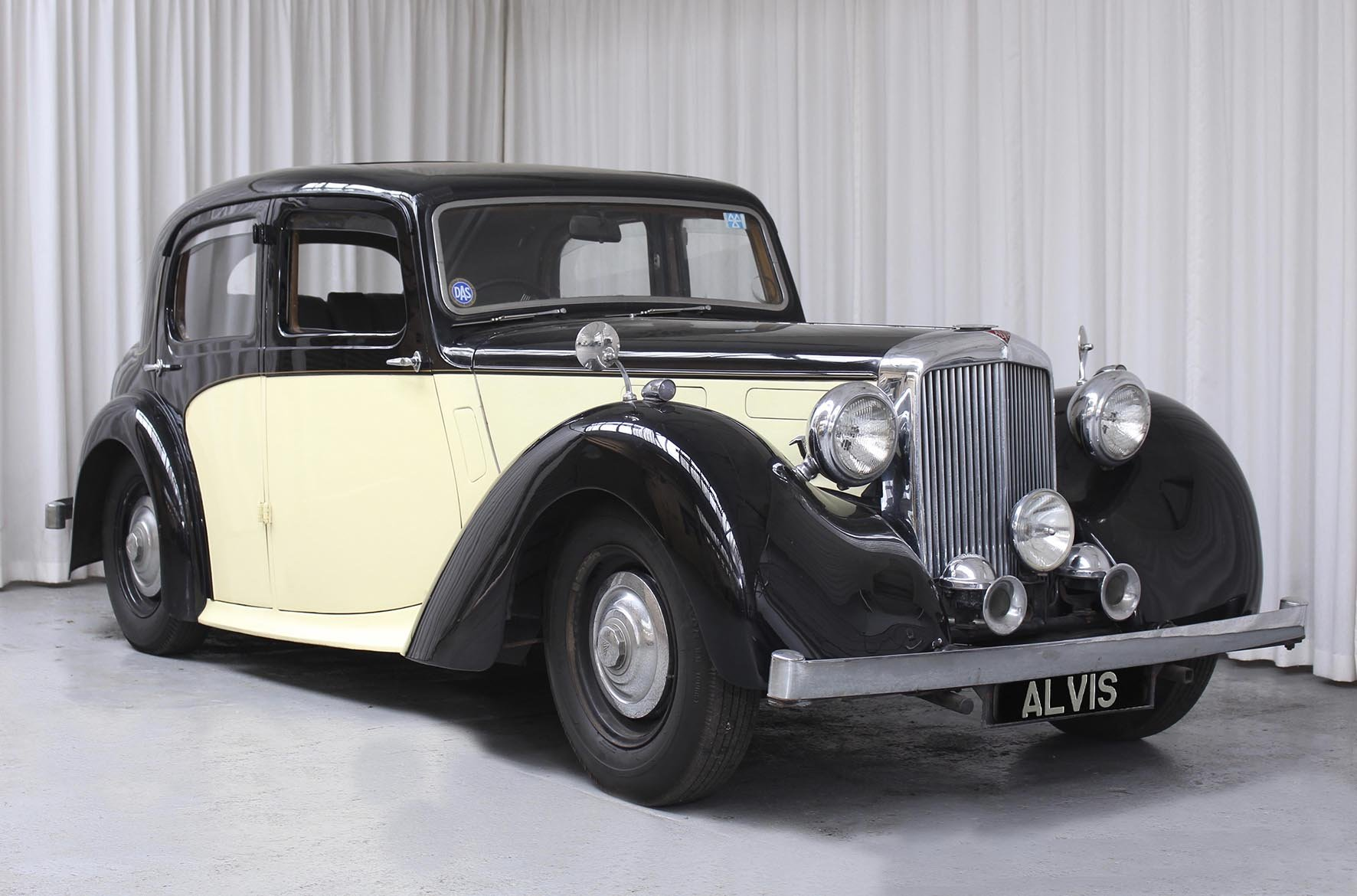 1948 TA 14 Four Light Saloon by Mulliner For Sale (picture 1 of 6)