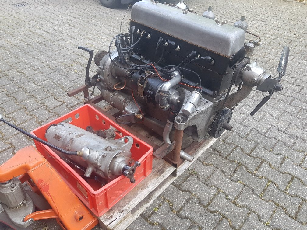 1935 Speed 20 engine (running) with gearbox for sale For Sale (picture 1 of 5)