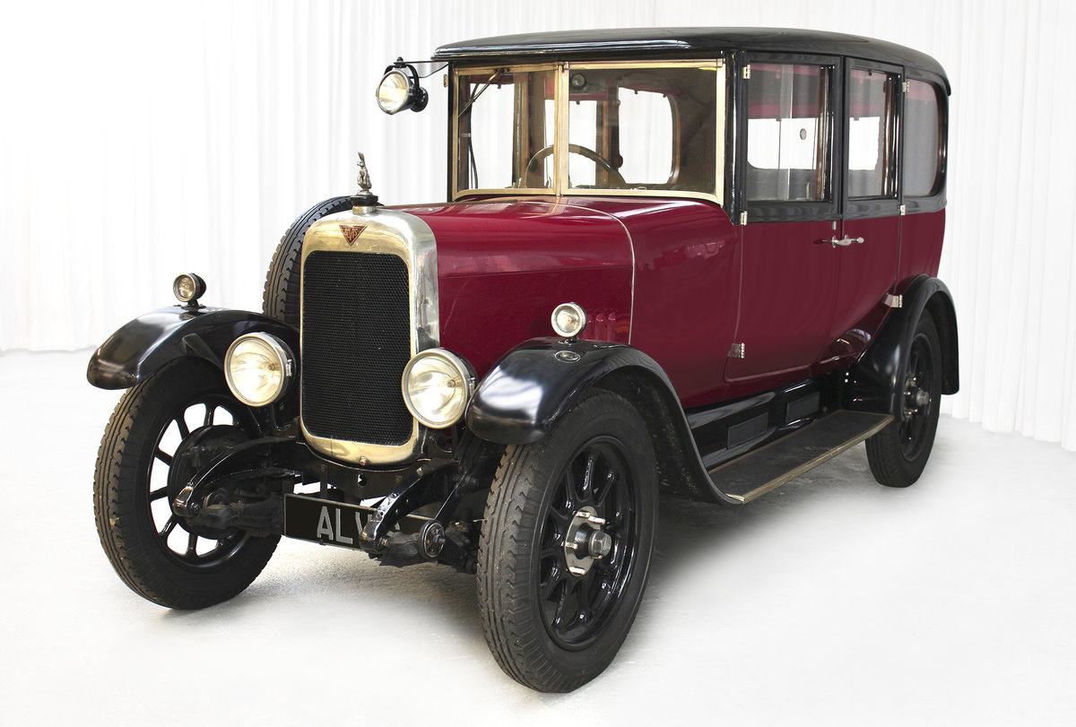 1926 12/50 TG Six Light Saloon by Carbodies For Sale (picture 2 of 10)