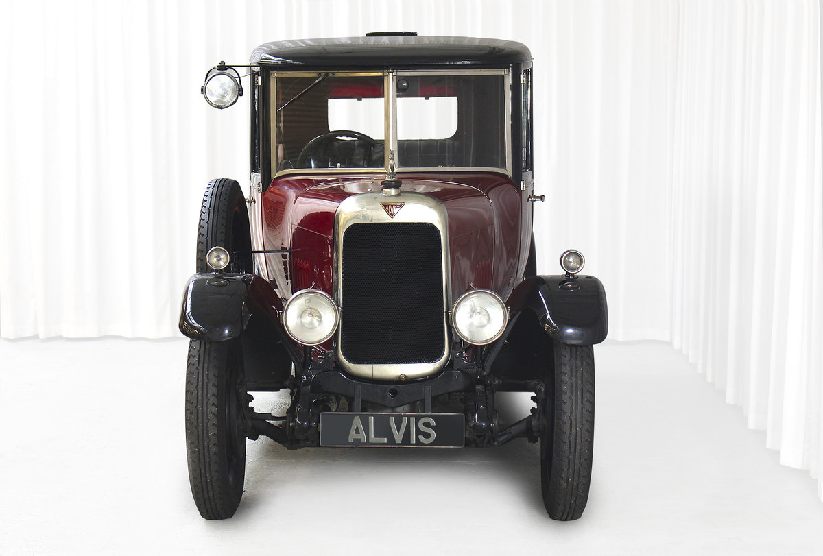 1926 12/50 TG Six Light Saloon by Carbodies For Sale (picture 3 of 10)