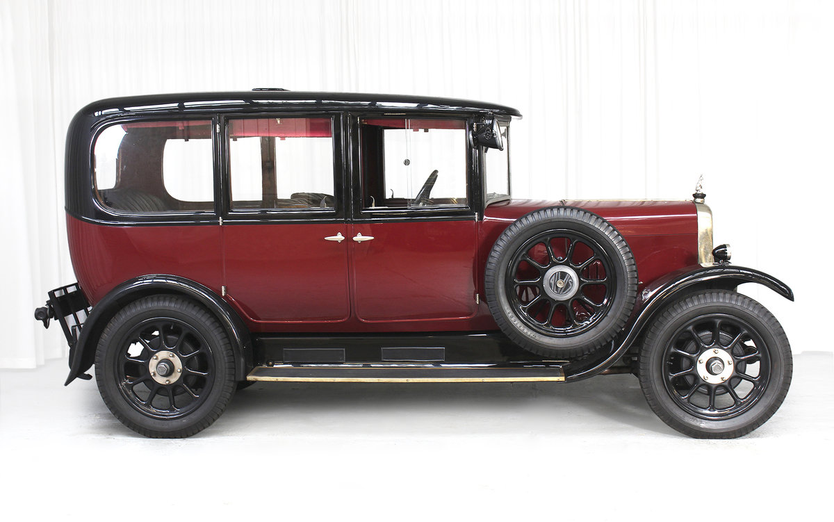 1926 12/50 TG Six Light Saloon by Carbodies For Sale (picture 4 of 10)