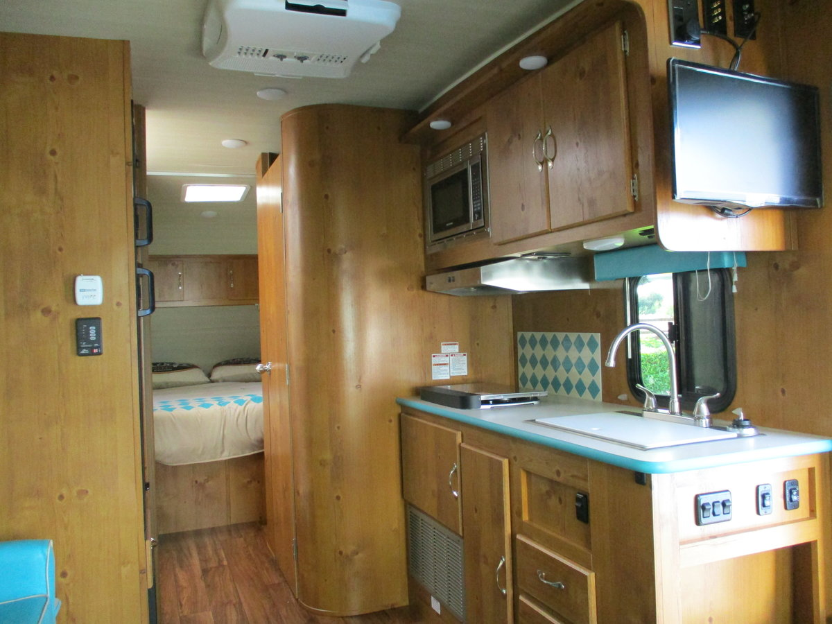 2020 Brand new 50's style American caravan For Sale (picture 4 of 6)