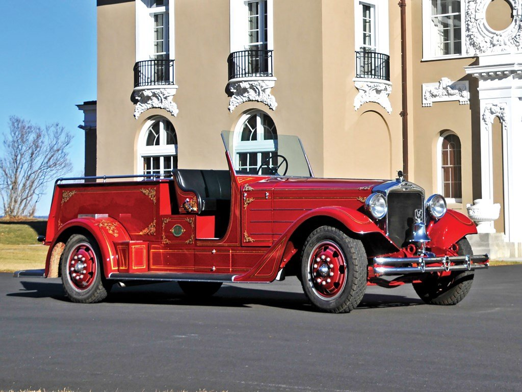 1936 American LaFrance Senior 400 Series Squad Truck  For Sale by Auction (picture 1 of 6)