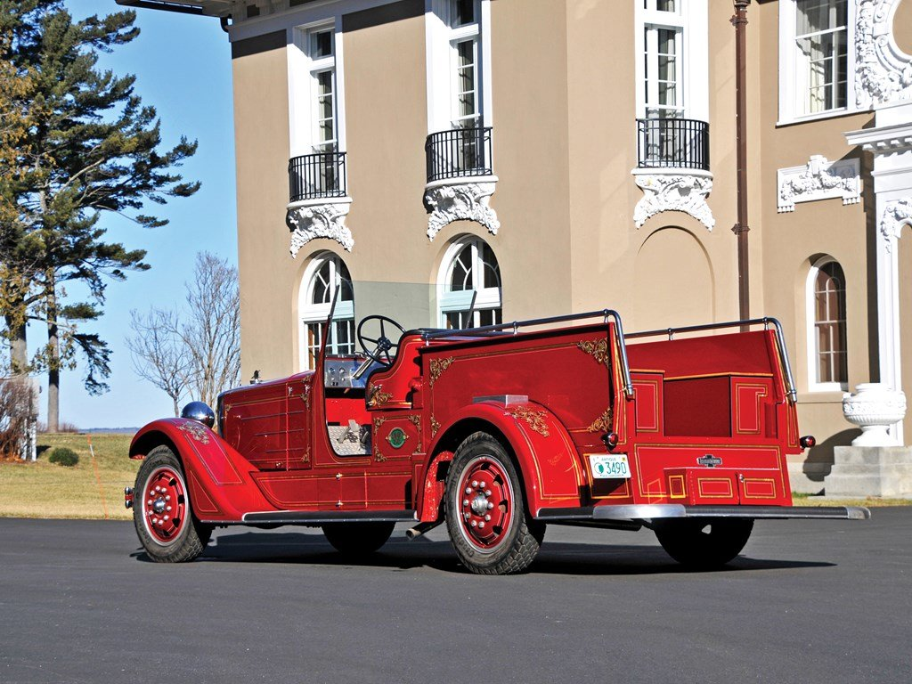 1936 American LaFrance Senior 400 Series Squad Truck  For Sale by Auction (picture 2 of 6)