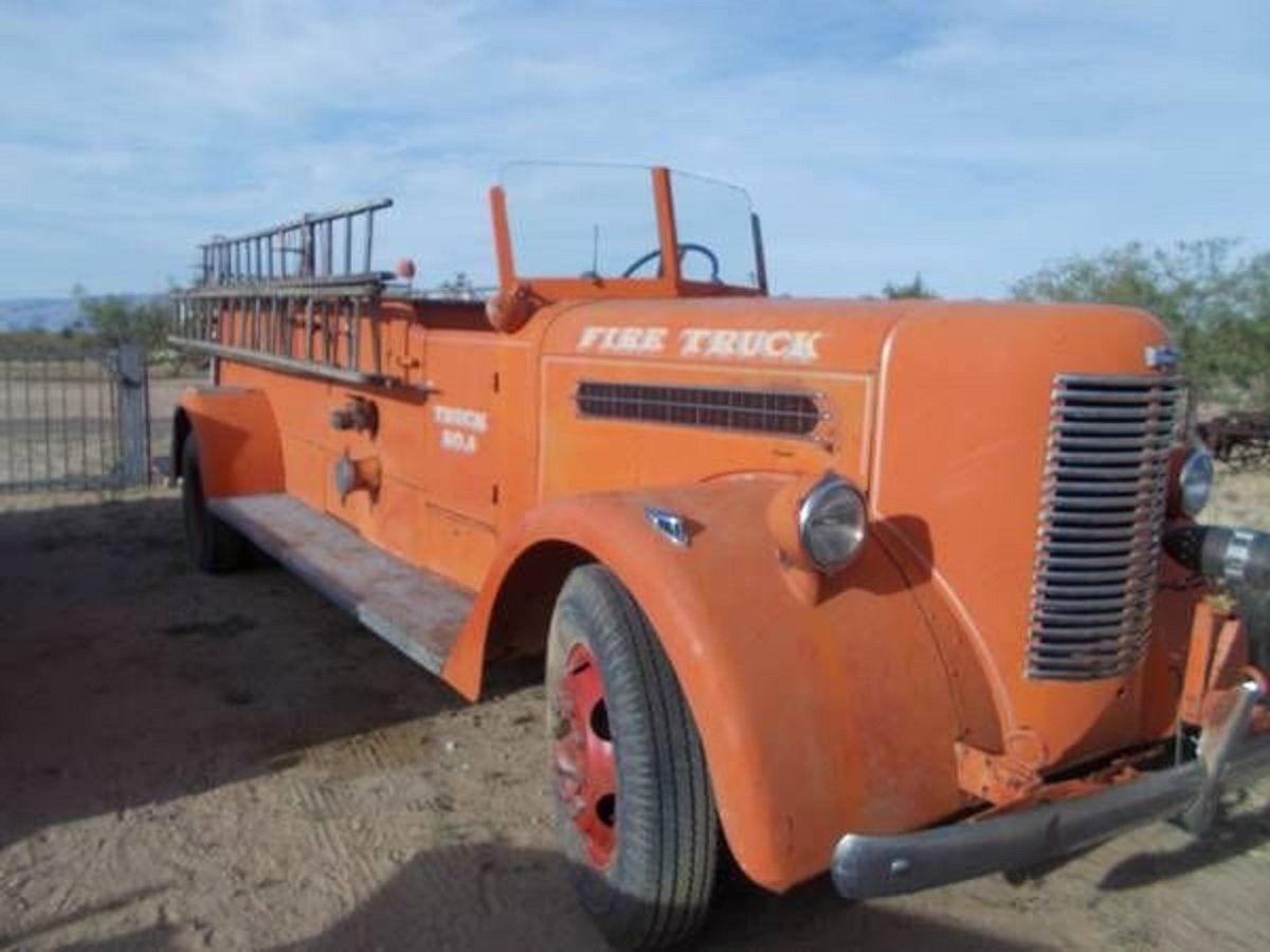 1942 Pirsch Peterbuilt Fire Truck For Sale (picture 1 of 5)