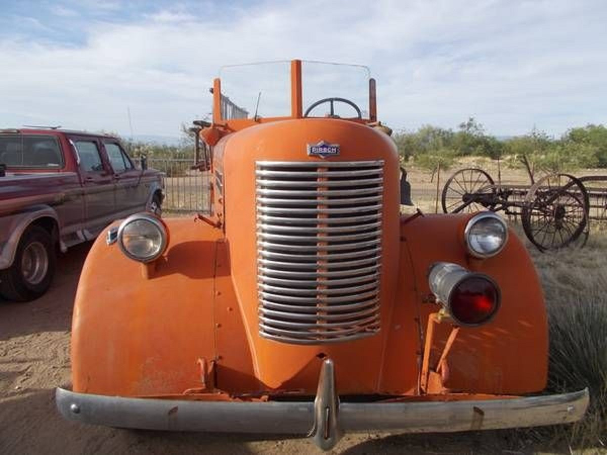1942 Pirsch Peterbuilt Fire Truck For Sale (picture 3 of 5)