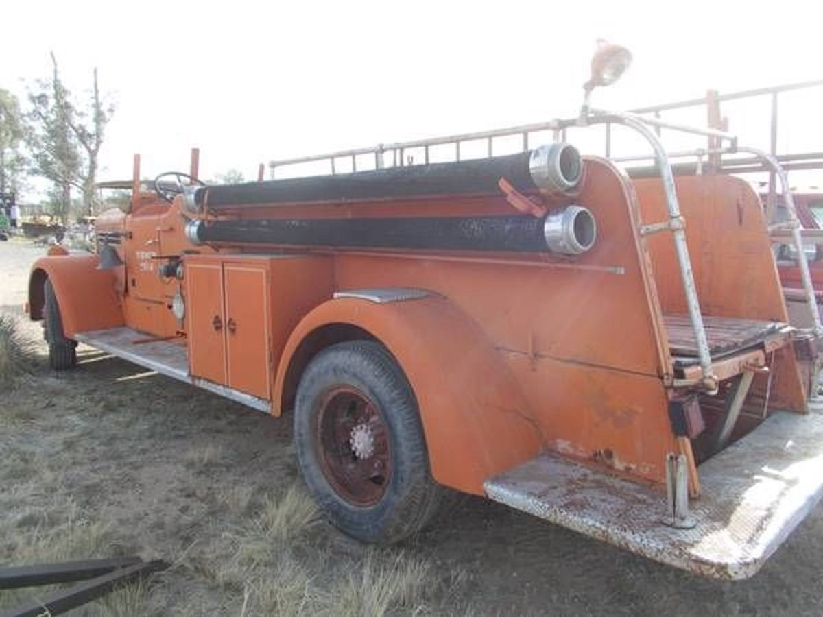 1942 Pirsch Peterbuilt Fire Truck For Sale (picture 4 of 5)