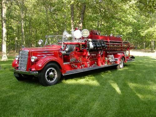 1938 Mack Ladder Fire Truck For Sale (picture 1 of 5)