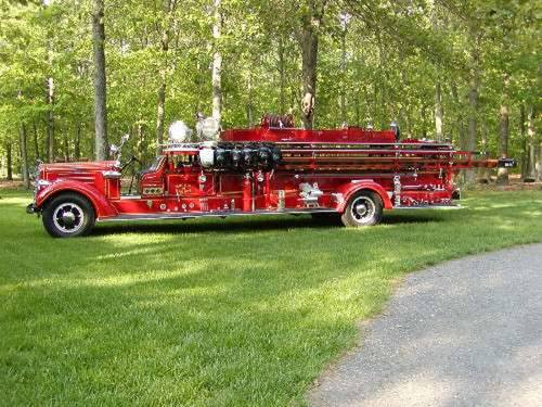 1938 Mack Ladder Fire Truck For Sale (picture 2 of 5)