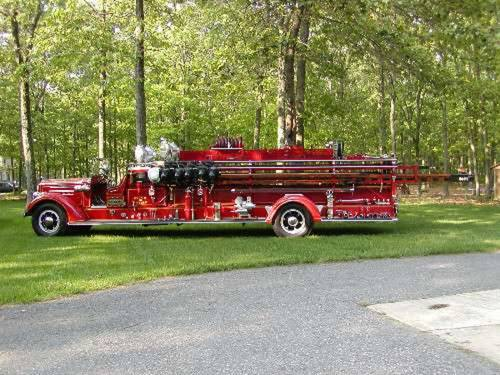 1938 Mack Ladder Fire Truck For Sale (picture 3 of 5)