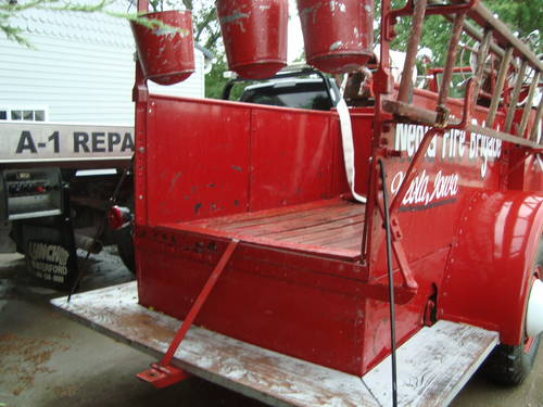 1945 International Fire Truck For Sale (picture 3 of 6)