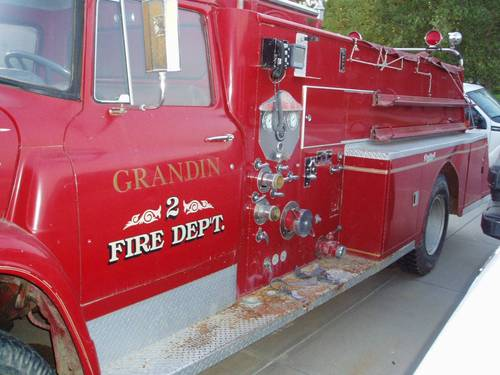 1965 International Fire Truck For Sale (picture 3 of 6)