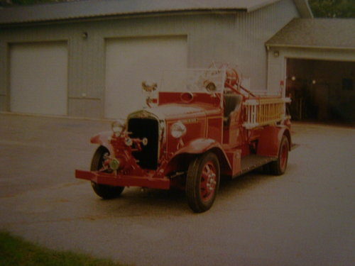 1935 REO Speedwagon Fire Truck For Sale (picture 1 of 6)