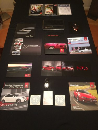 Alfa Romeo Brochures/Magazines Collection. For Sale (picture 3 of 5)