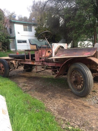 Excellent CHAIN DRIVE TRUCK FROM 1918 FOR A SPEEDS For Sale (picture 1 of 2)