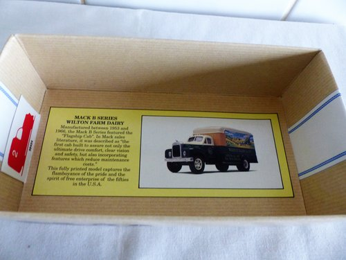 MACK B SERIES VAN-WILTON FARM 1:50 SCALE For Sale (picture 5 of 6)