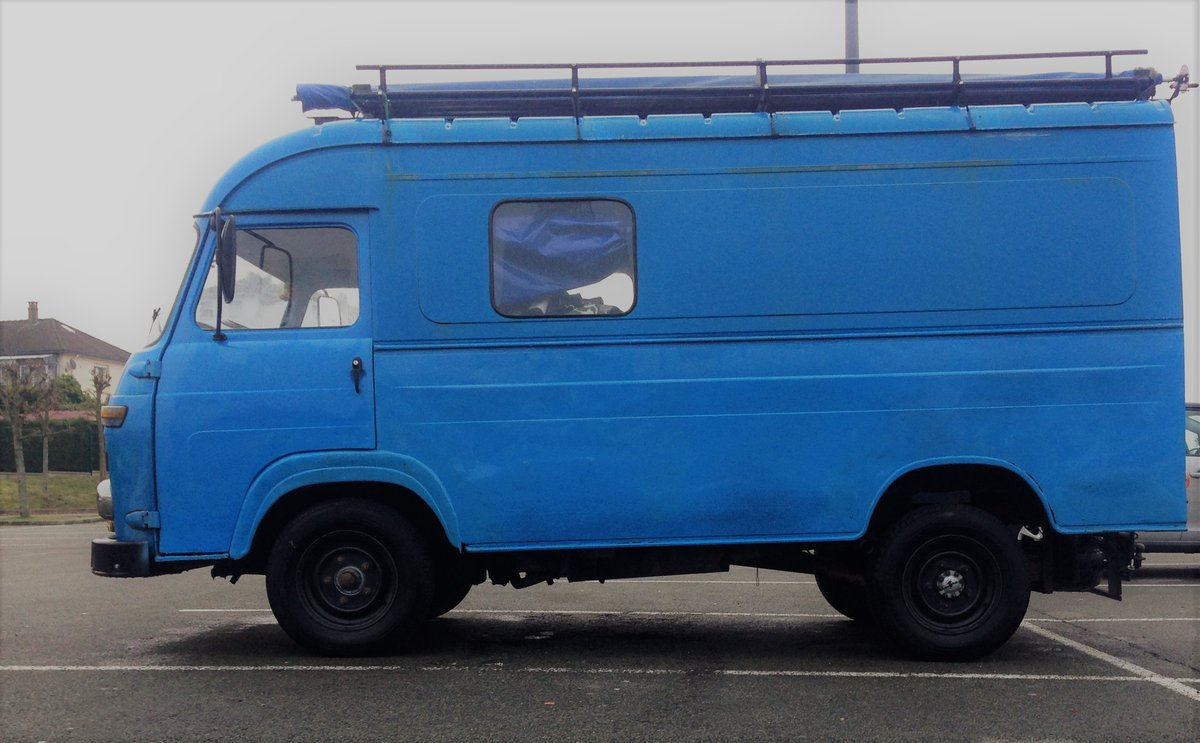 1970 Vintage Saviem sg2 - perfect food truck or camper For Sale (picture 1 of 6)