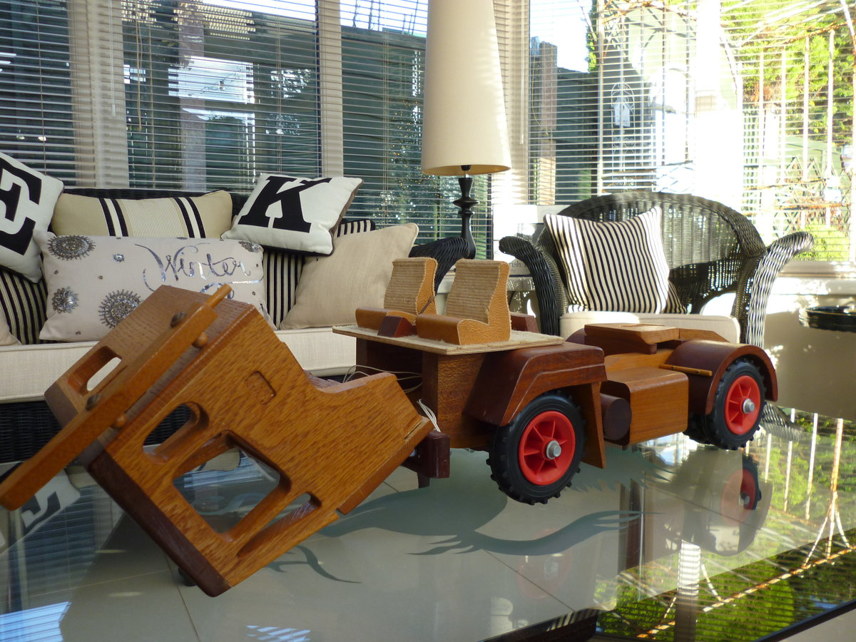 Wooden Hand Made Truck & Trailer For Sale (picture 2 of 6)