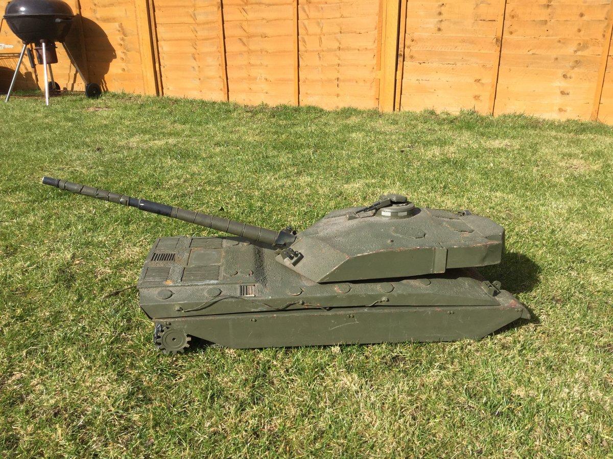 1988 Army recruitment office model challenger tank For Sale (picture 3 of 5)