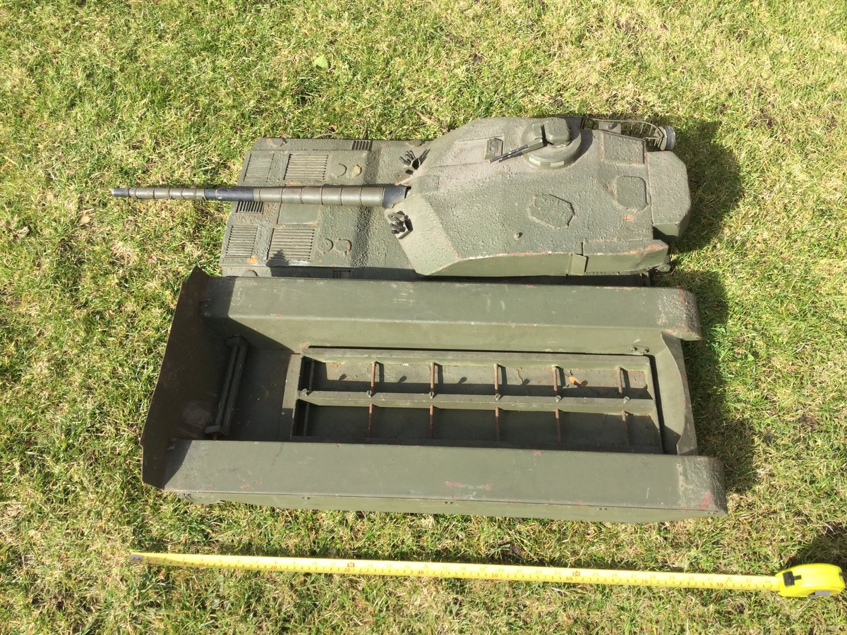 1988 Army recruitment office model challenger tank For Sale (picture 4 of 5)