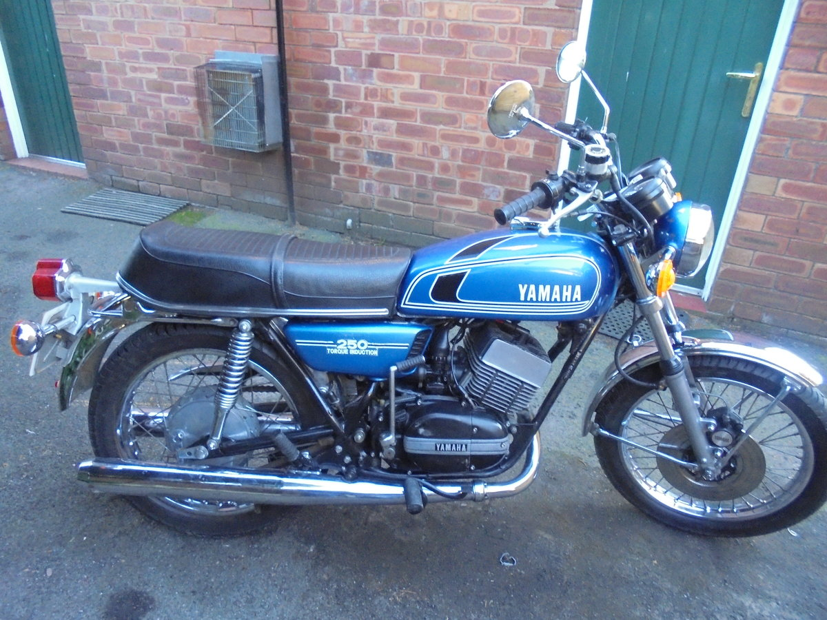 YAMAHA RD250 B 1976 IMMACULATE THROUGHOUT For Sale (picture 1 of 2)