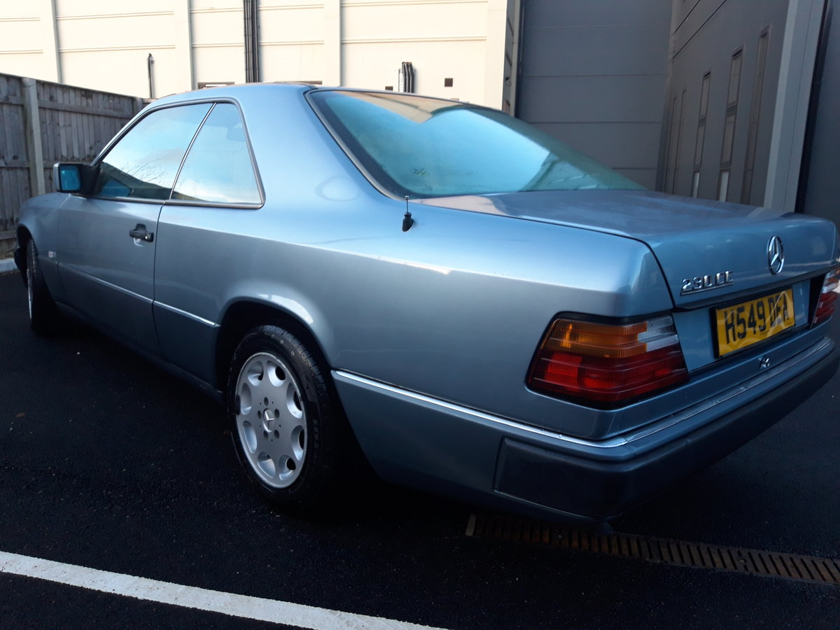 1991 Mercedes 230 CE pillarless coupe, lovely car For Sale (picture 2 of 6)