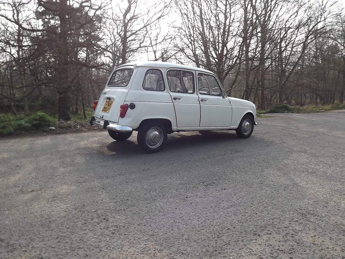 Renault 4TL 1976 RHD SOLD (picture 2 of 5)