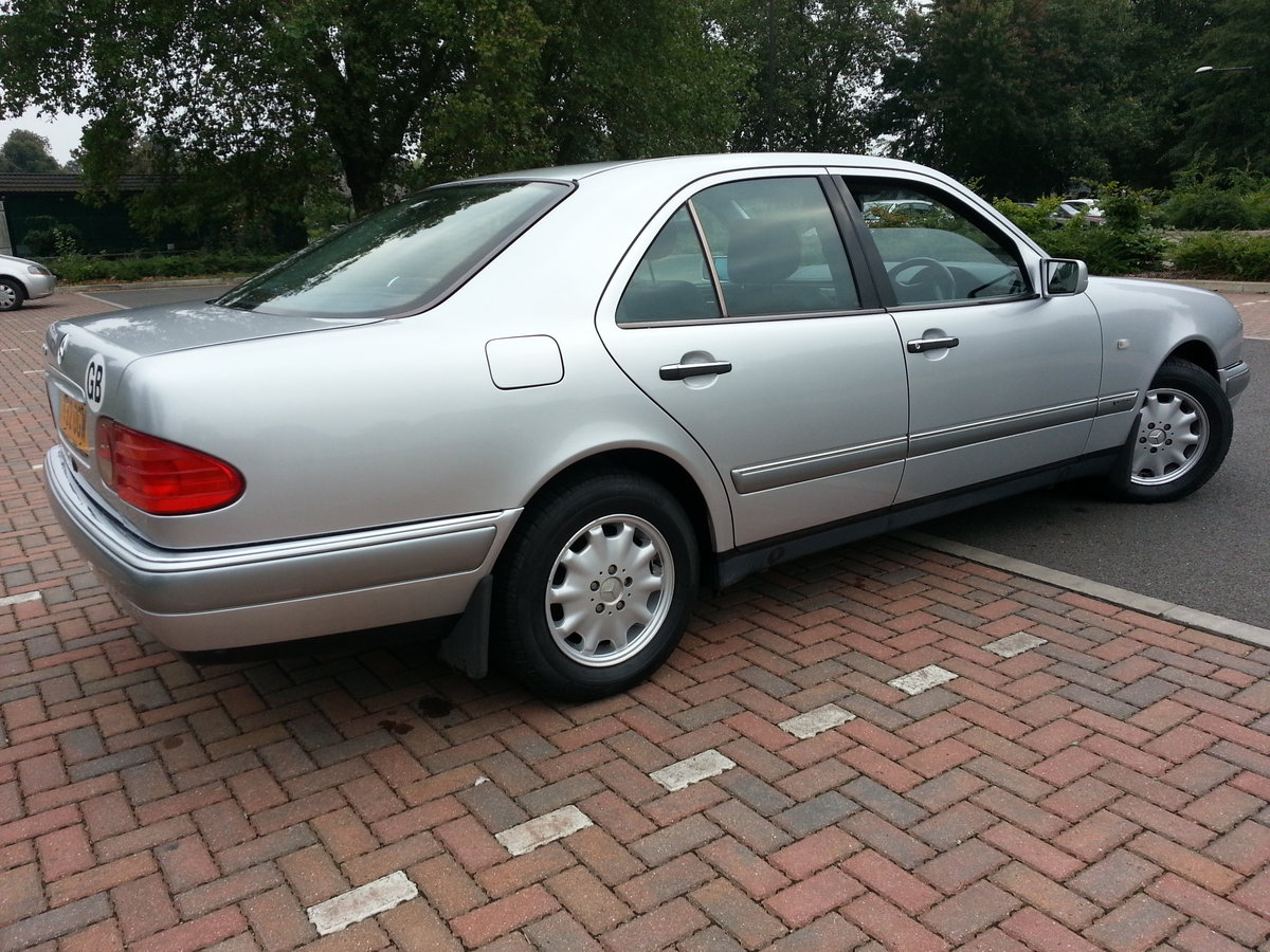 1999 MERCEDES E240 ELEGANCE ONLY 38,600 MILES For Sale (picture 3 of 6)
